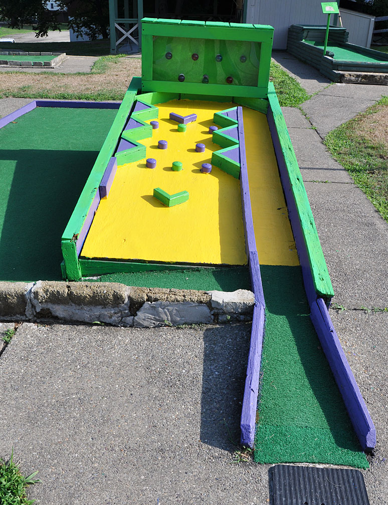 Pennsylvania Mini Golf | RoadsideArchitecture.com on baseball golf, hockey golf, plinko golf,