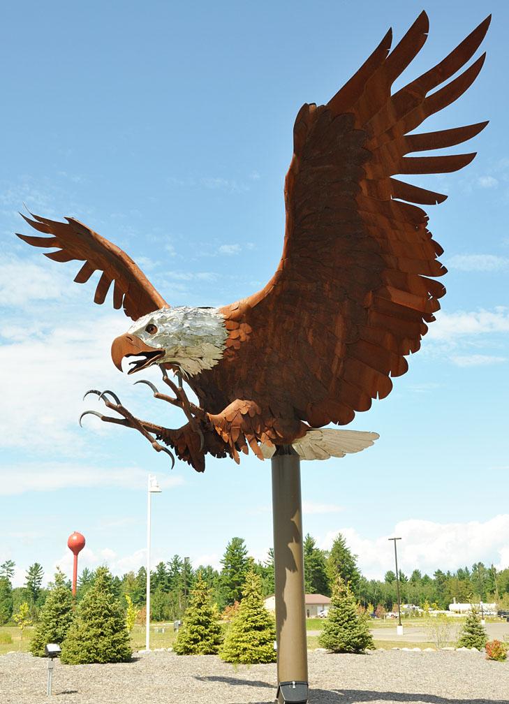 Butler Auto Sales >> Eagle Statues | RoadsideArchitecture.com