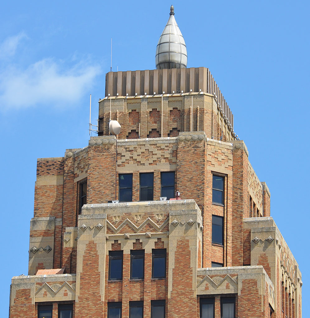 Wisconsin Home Builder: Milwaukee Art Deco & Streamline Moderne Buildings