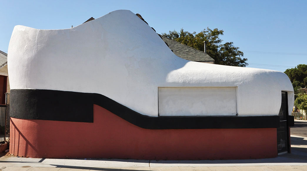 giant shoes   shoe cars roadsidearchitecture com Liquor Store Webster SD Webster SD Mascot