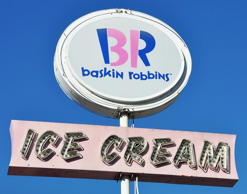 Ice Cream Chain & Copycat Stands