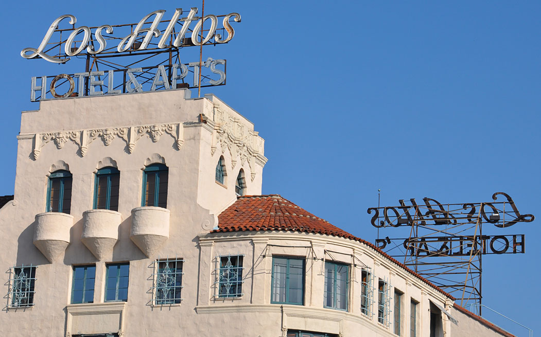 Los Angeles Ca Dubarry Apartments