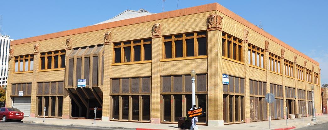 Car Dealerships In Fresno Ca >> California Car Showrooms & Dealerships ...