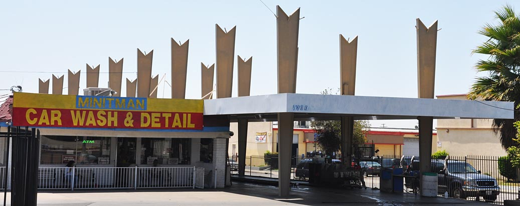Mid century modern car washes roadsidearchitecture i have seen several car washes in the los angeles area with these v topped like those at this minit man car wash perhaps there was a minit man chain solutioingenieria Images