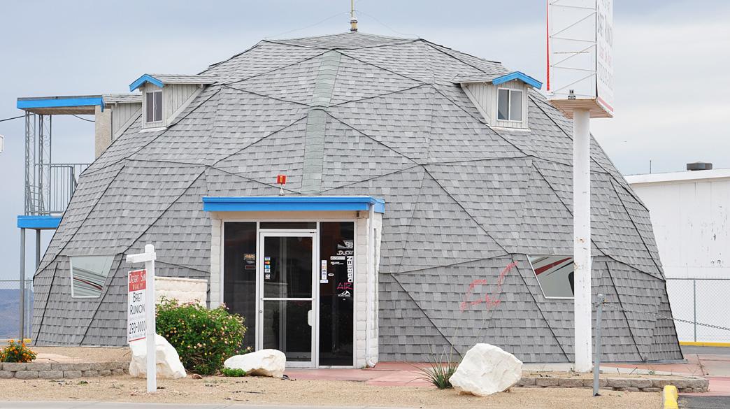 Nevada mid century modern domes - Hacienda interiors boulder city nv ...