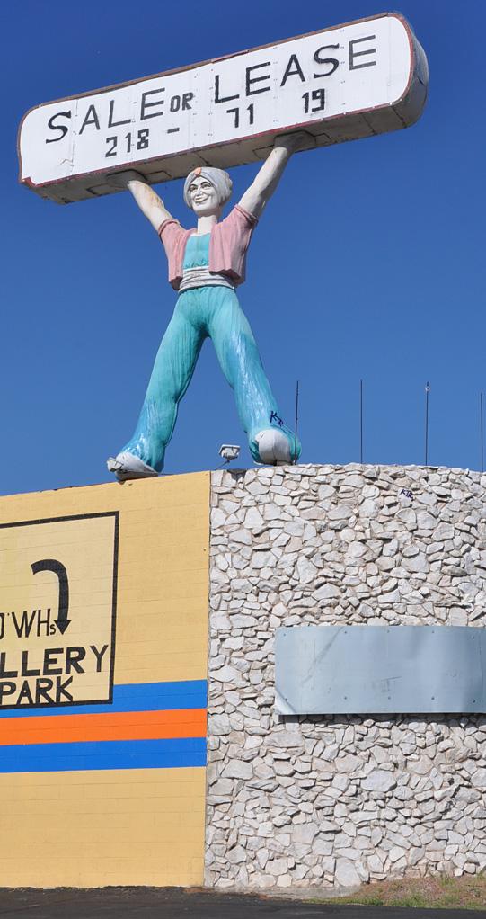 Nevada Statues   RoadsideArchitecture.com