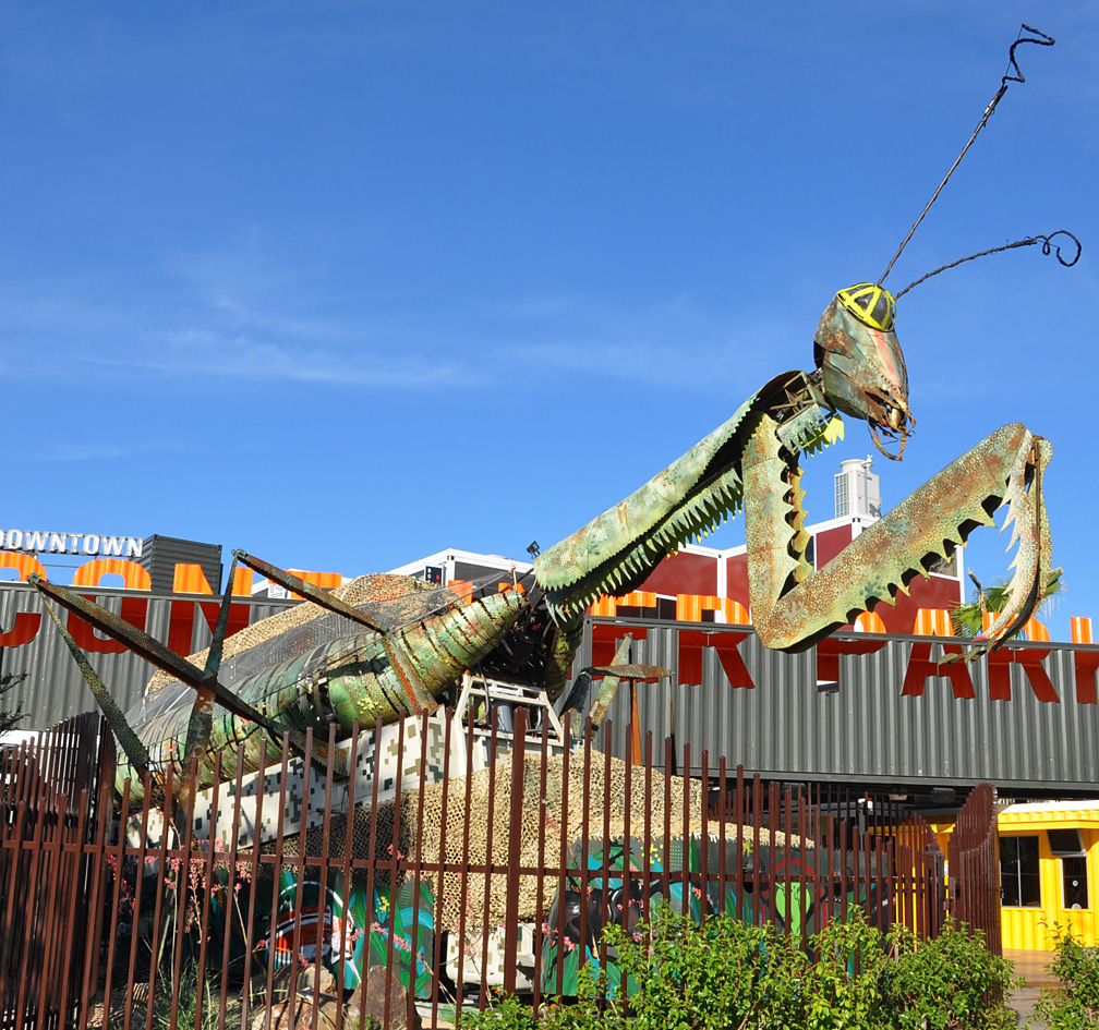 Insect statues for Garden statues las vegas nv