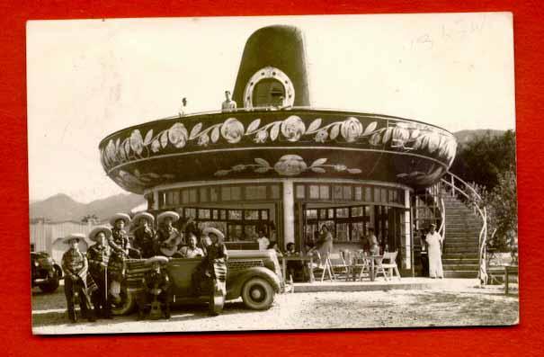 Giant Sombrero Bar  gone   Santiago 3a6c685fd34